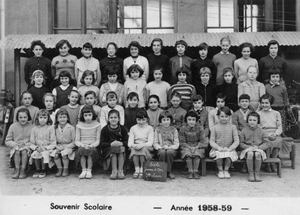 [Souvenir scolaire : école Jeanne-d'Arc à Vaulx-en-Velin, 3e classe (année 1958-1959)]