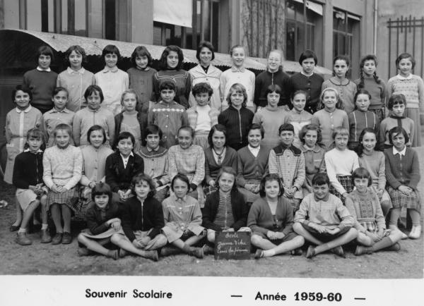 [Souvenir scolaire : école Jeanne-d'Arc à Vaulx-en-Velin, cours supérieur (année 1959-1960)]