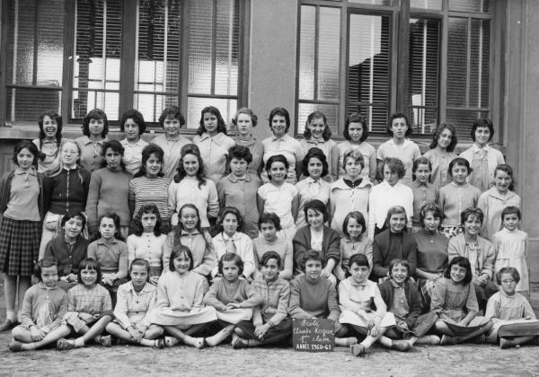 [Souvenir scolaire : école Claude-Kogan à Vaulx-en-Velin, 1re classe (année 1960-1961)]