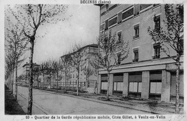 Décine (Isère). Quartier de la Garde républicaine mobile, Cité Gillet, à Vaulx-en-Velin
