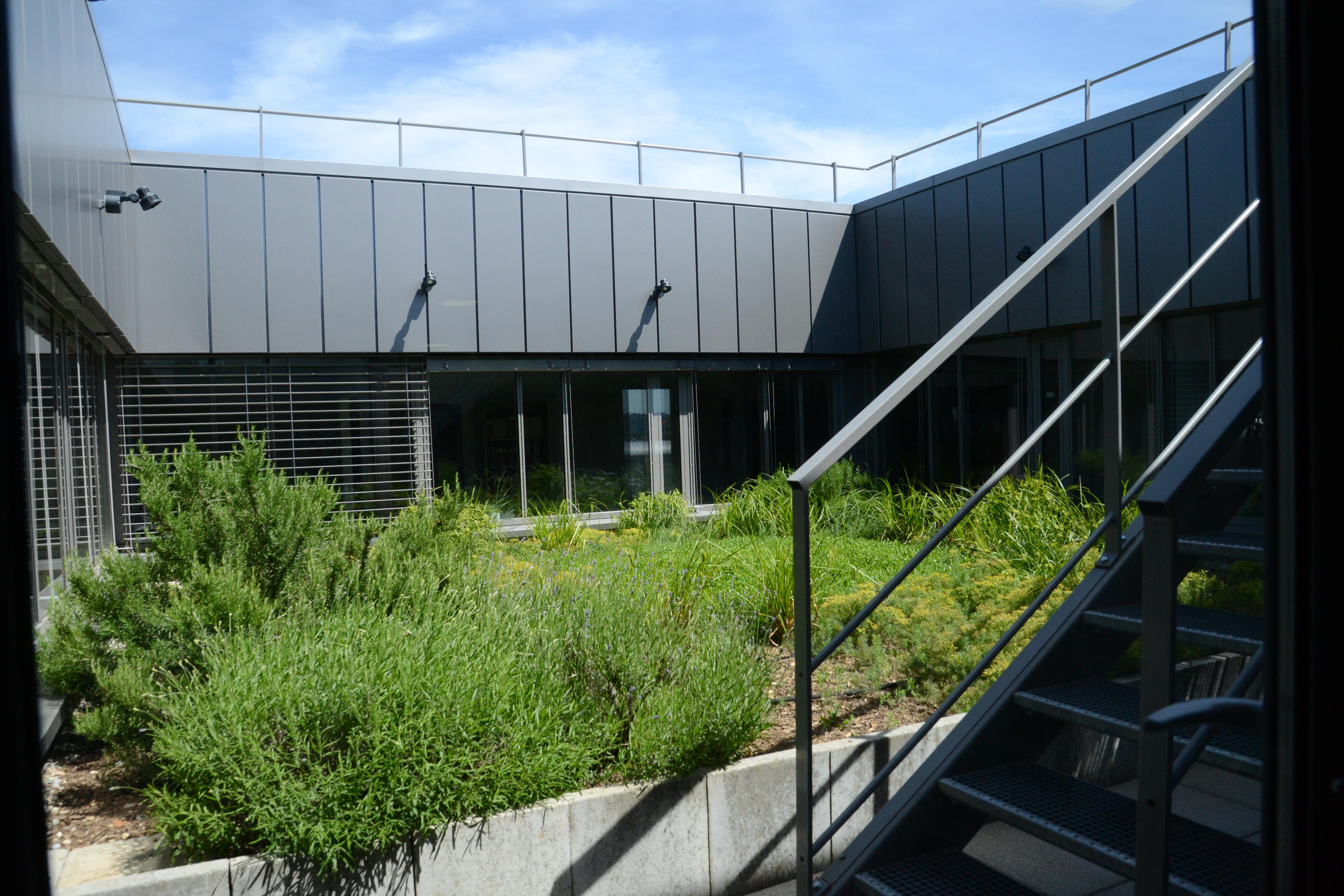 Photographes en Rhône-Alpes::Vue sur le jardin intérieur des ...