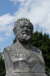 Buste du docteur Emile Létiévant