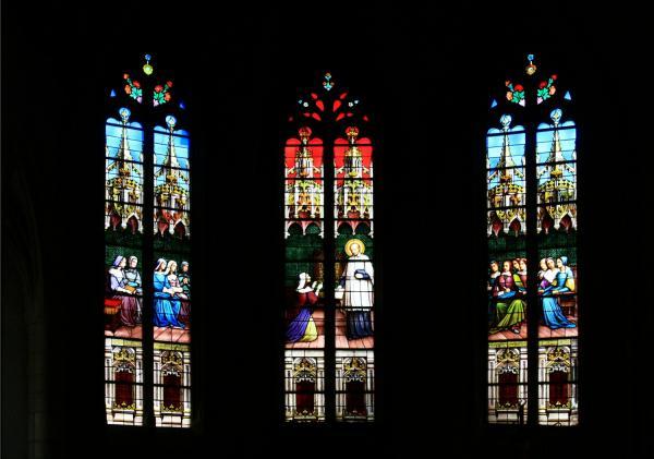 Châtillon-sur-Chalaronne, église Saint-André et Saint-Vincent-de-Paul, vitraux