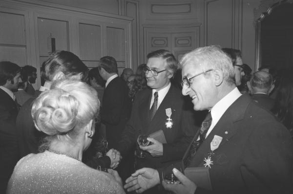 Remise de médailles à Roger Grivel par l'ambassadeur de Pologne à Lyon