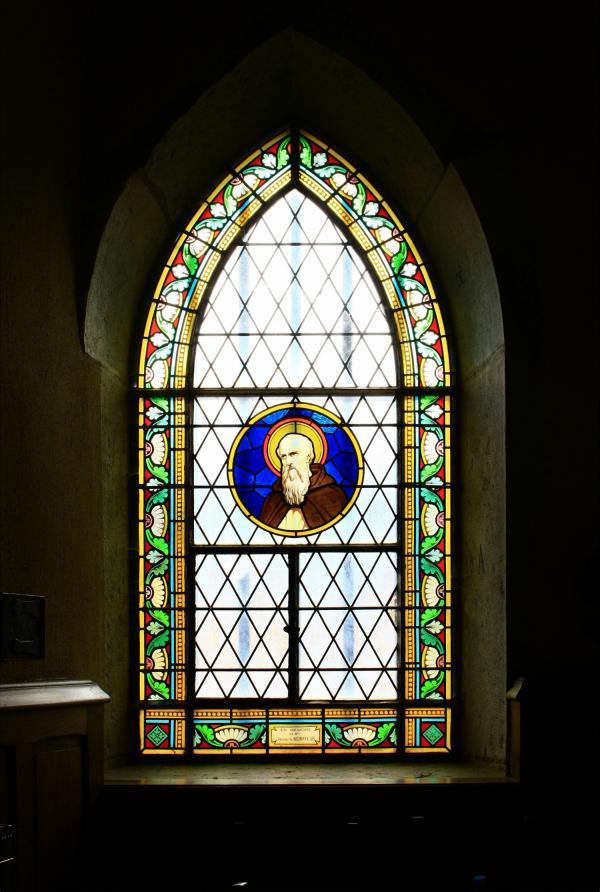 [Chapelle Saint-Fortunat, vitraux]