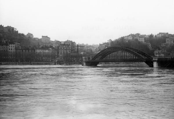 Pont de la Boucle sur le Rhône