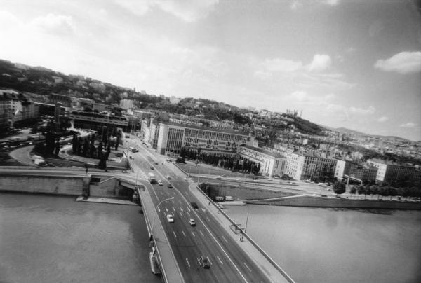 [L'axe Est-Ouest de Lyon et la rive droite du Rhône]
