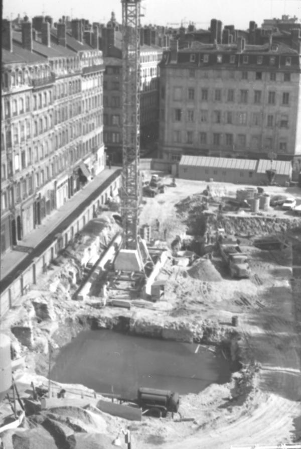 Vieux quartiers du centre ville en démolition