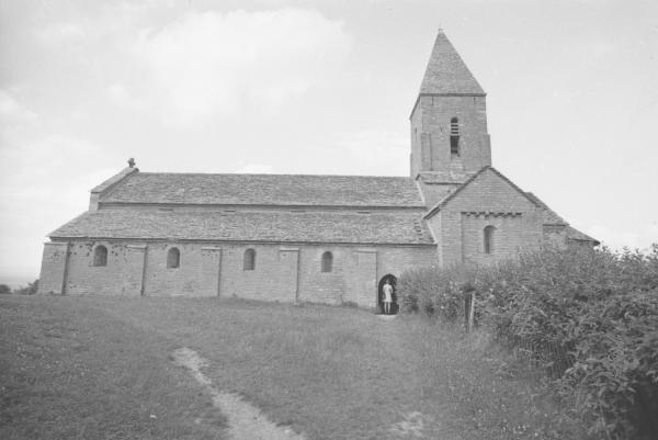 Marie Claire, Reportage dans l'église d'Azé