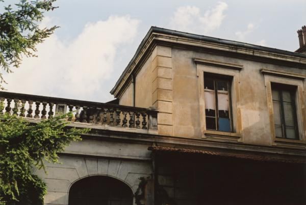 8 bis, rue de la Corderie : cour intérieure