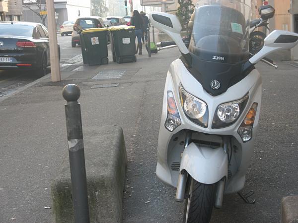 """""""Scooter et poubelles"""""""
