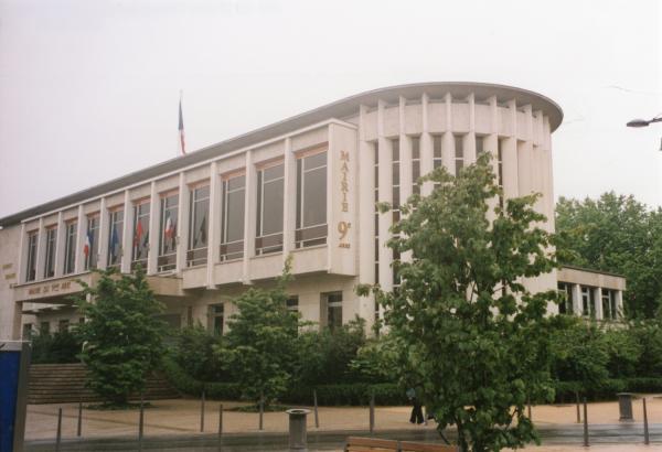 Place du Marché : mairie du 9e arrondissement