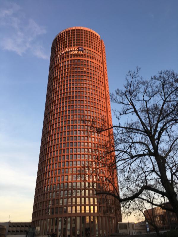 La tour qui pique