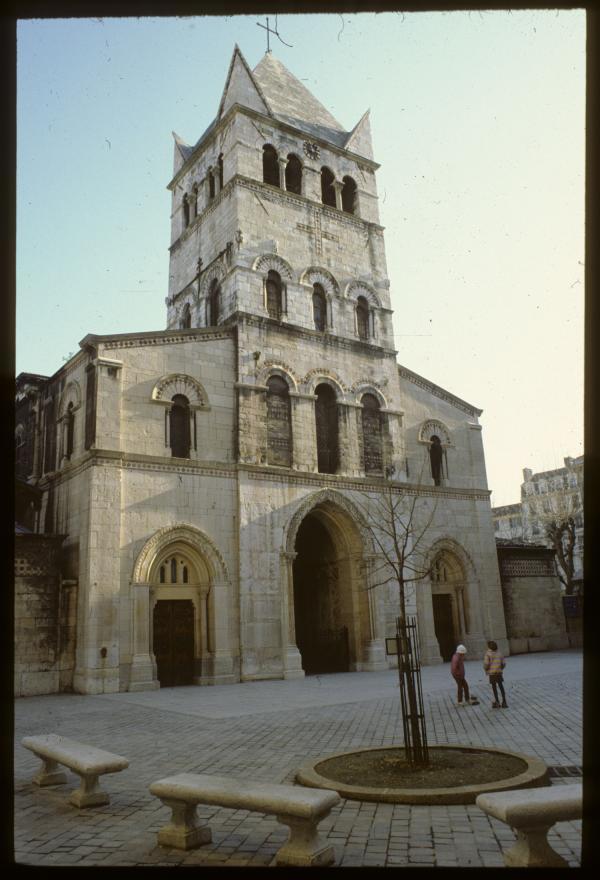 [Eglise Saint-Martin d'Ainay]