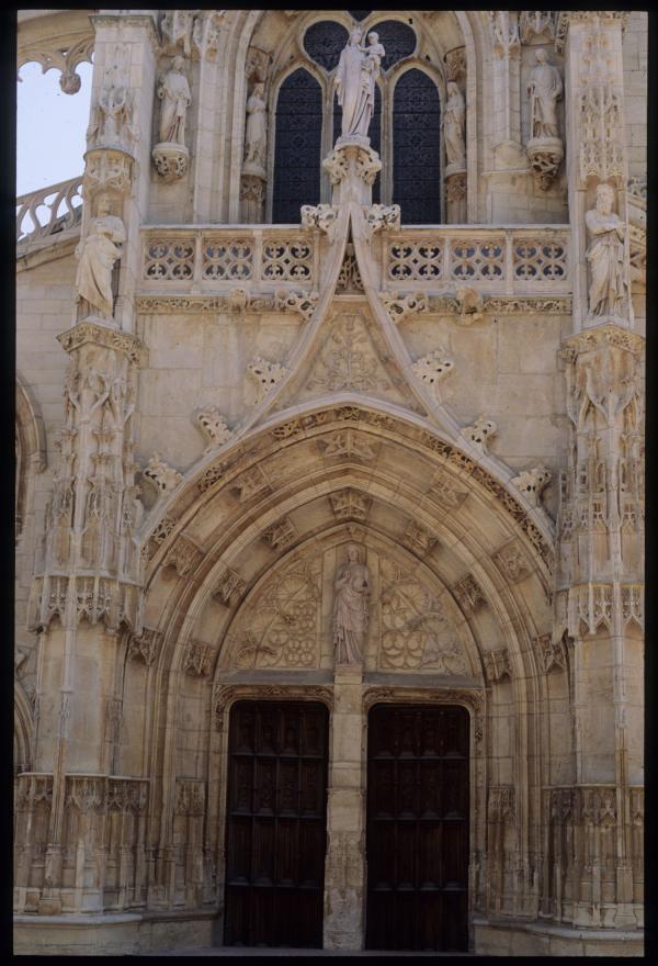 [Collégiale Notre-Dame-des-Marais à Villefranche-sur-Saône]