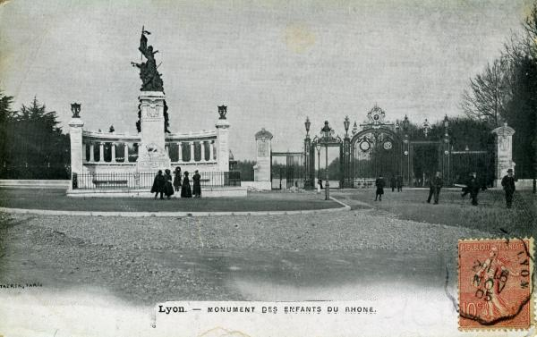 Lyon. - Monument des Enfants du Rhône.