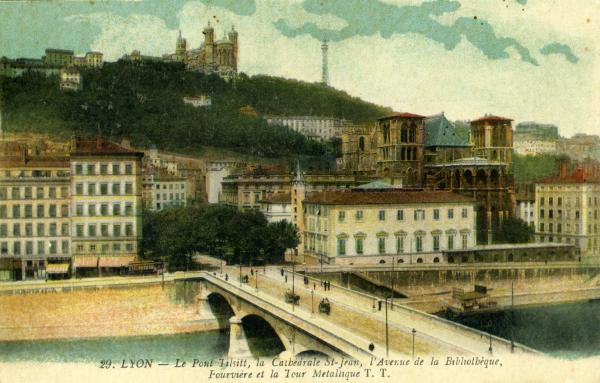 Lyon - Le Pont Tilsitt, la Cathédrale St-Jean, l'Avenue de la Bibliothèque, Fourvière et la Tour Métallique