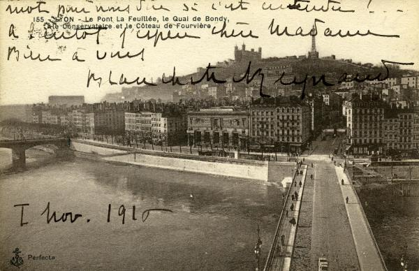 Lyon - Le Pont de La Feuillée, le quai de Bondy, le Conservatoire et le coteau de Fourvière