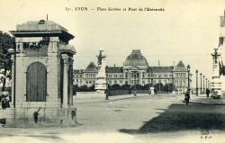 Lyon - Place Grolier et Pont de l'Université
