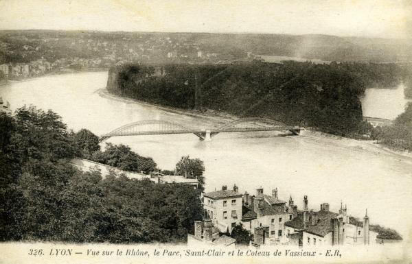 Lyon - Vue sur le Rhône, le Parc, Saint-Clair et le Coteau de Vassieux