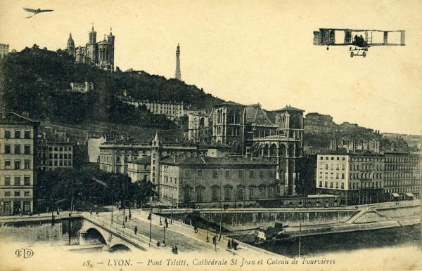 Lyon. - Pont Tilsitt, Cathédrale St-Jean et Coteau de Fourvière