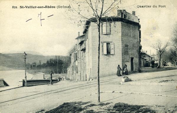 St-Vallier-sur-Rhône (Drôme)