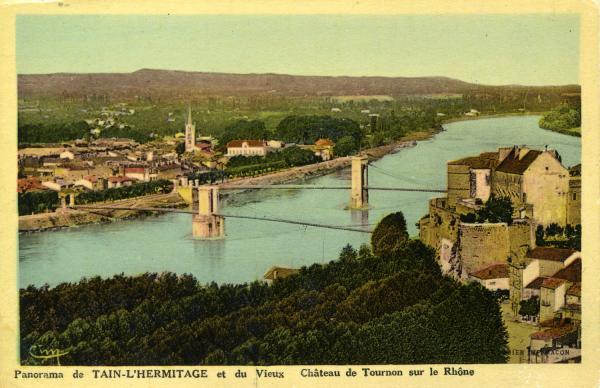 Panorama de Tain-L'Hermitage et du vieux Château de Tournon sur le Rhône
