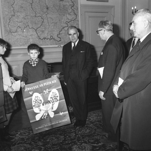 """Réception à la préfecture : le préfet Roger Ricard et l'Association """"Jeunesse au plein air"""""""