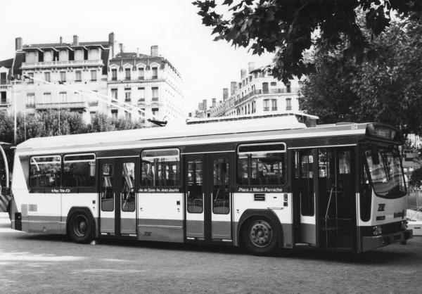 [Nouveau trolleybus ER 100]