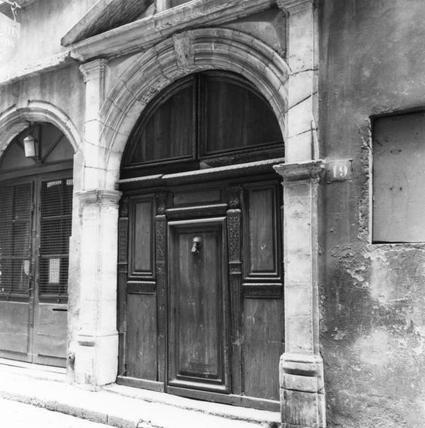 19, rue des Trois-Maries : porche d'entrée