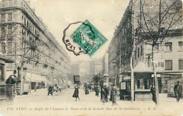 Lyon : Angle de l'Avenue de Saxe et de la Grande Rue de la Guillotière.