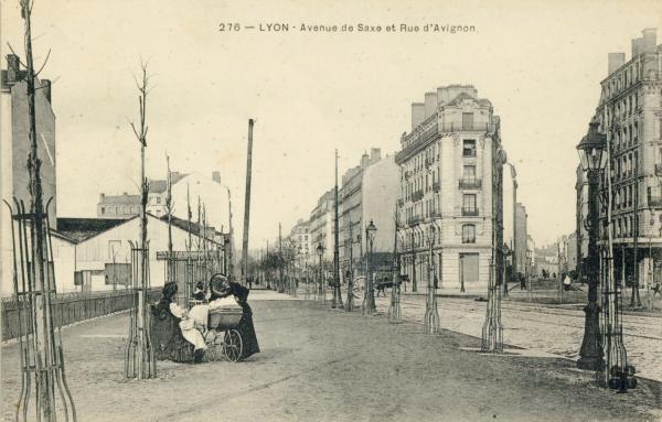 Lyon : Avenue de Saxe et rue d'Avignon.