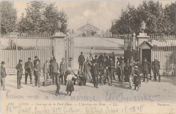Lyon : Casernes de la Part-Dieu ; L'Arrivée des Bleus.