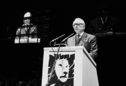 """[Elections municipales de 1989 : présentation de la liste """"Lyon d'abord""""]"""