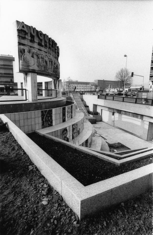 [Monument aux frères Lumière (1962)]