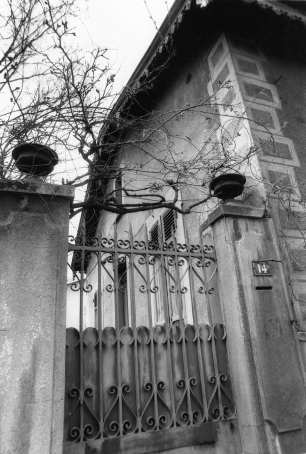 [Place du Château à Montchat]