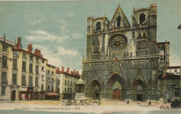 Lyon : Place et Cathédrale St-Jean