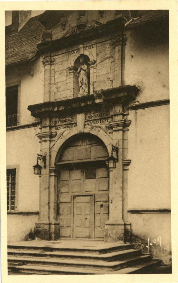 Carmel du Reposoir (Hte-Savoie) ; Entrée du Monastère.