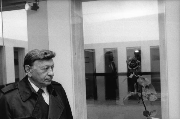 [Procès Klaus Barbie : Michel Thomas, témoin du ministère public, au Mémorial de la Déportation]