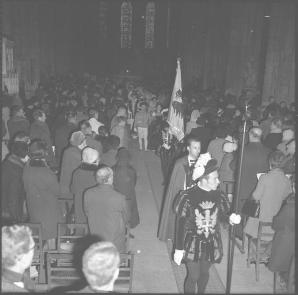 """""""Les Damoiseaux"""" : Parvis de la cathédrale St-Jean"""