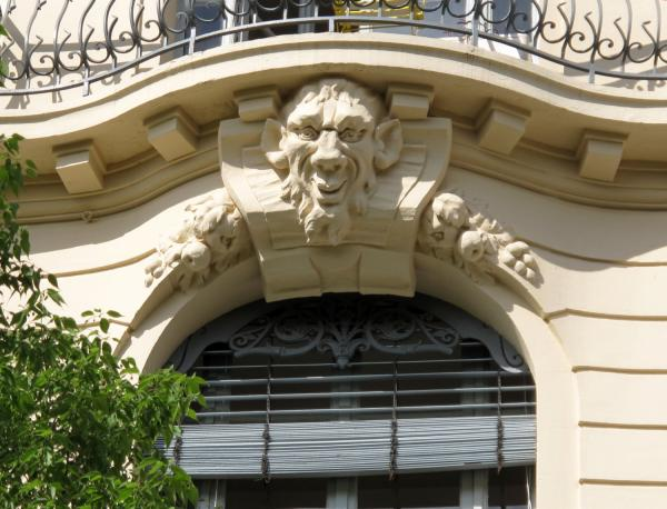 [2, place Jules-Ferry]