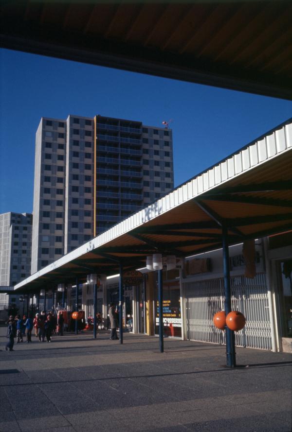 [Centre commercial de Vaulx-en-Velin (Rhône)]