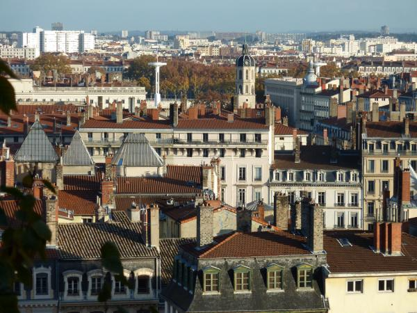 Toits de Lyon vus de la Montée du Chemin-Neuf