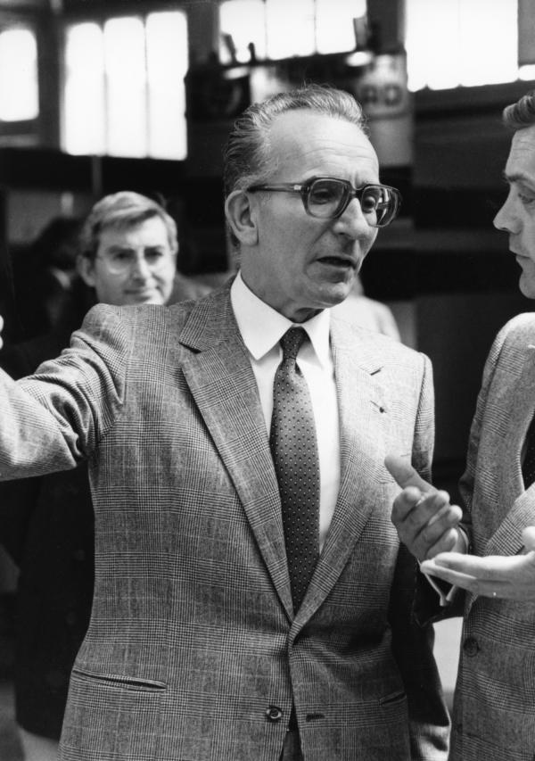 [2e Salon Infora (1982). Visite d'Yvon Gattaz, président du CNPF]