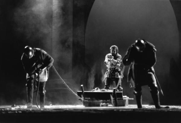 """[Opéra national de Lyon (hors les murs) : """"Montségur"""", de Marcel Landowski]"""