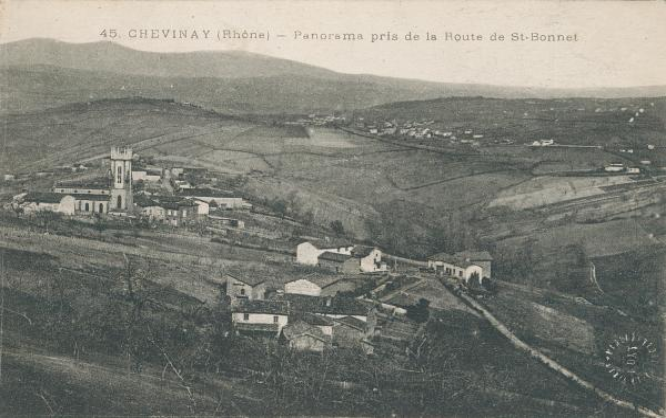 Chevinay (Rhône) : Panorama pris de la route de Saint-Bonnet