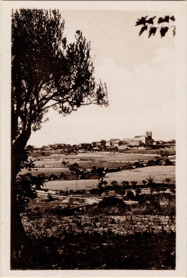 Orgnac l'Aven (Ardèche). Vue du village, côté est