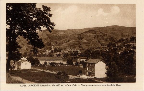 Arcens (Ardèche), alt. 625 m. - Cure d'air - Vue panoramique et quartier de la Gare