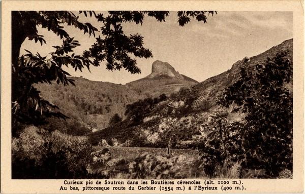 Curieux pic de Soutron dans les Boutières cévenoles (alt. 1100 m. Ardèche)