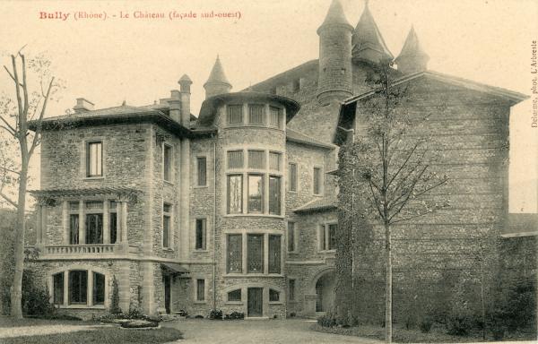 Bully (Rhône) : Le château (façade sud-ouest)